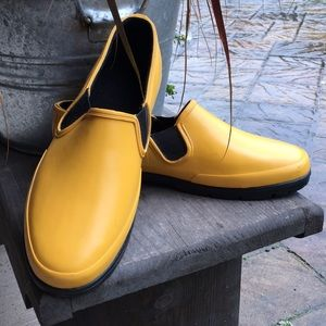 💦GHBass &Co Rubber Shoes Men's sz. 11 Yellow 🦆